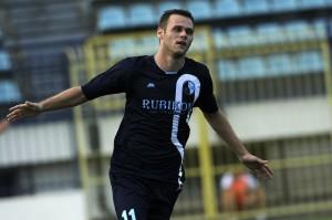 Petar Jelic (2)
